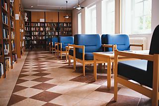 Internet/ WLAN/ Bibliothek und Spielzimmer